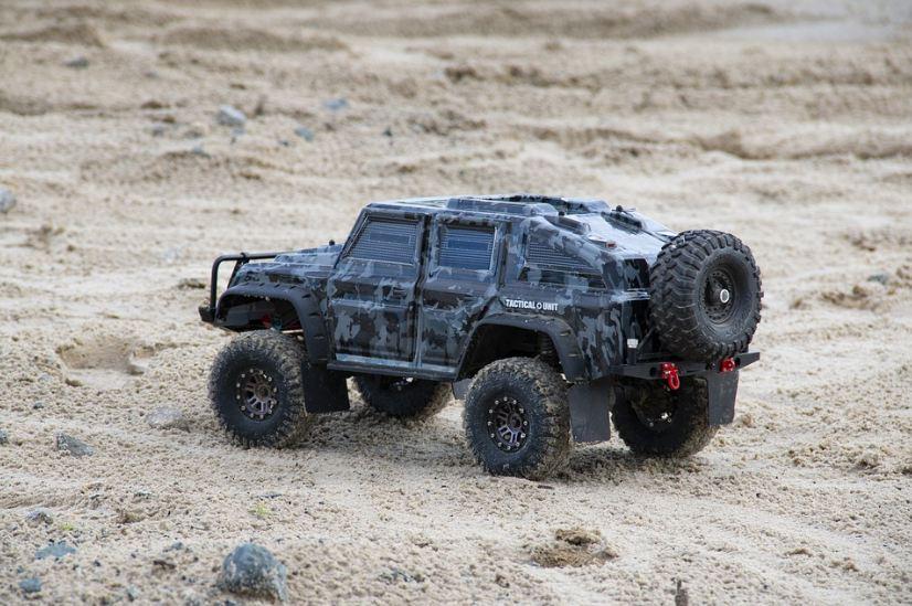 remote car, sand