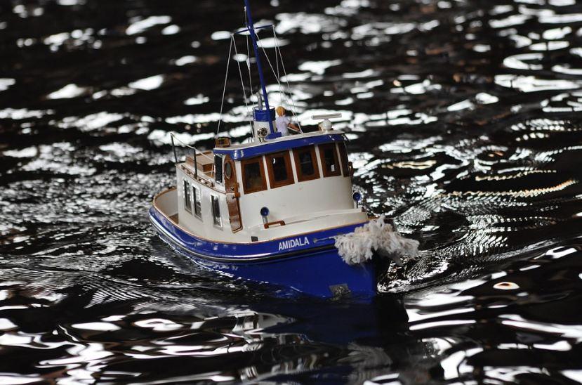 remote control boat, water